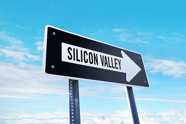 The Leadership Book of Silicon Valleys Bill Campbell